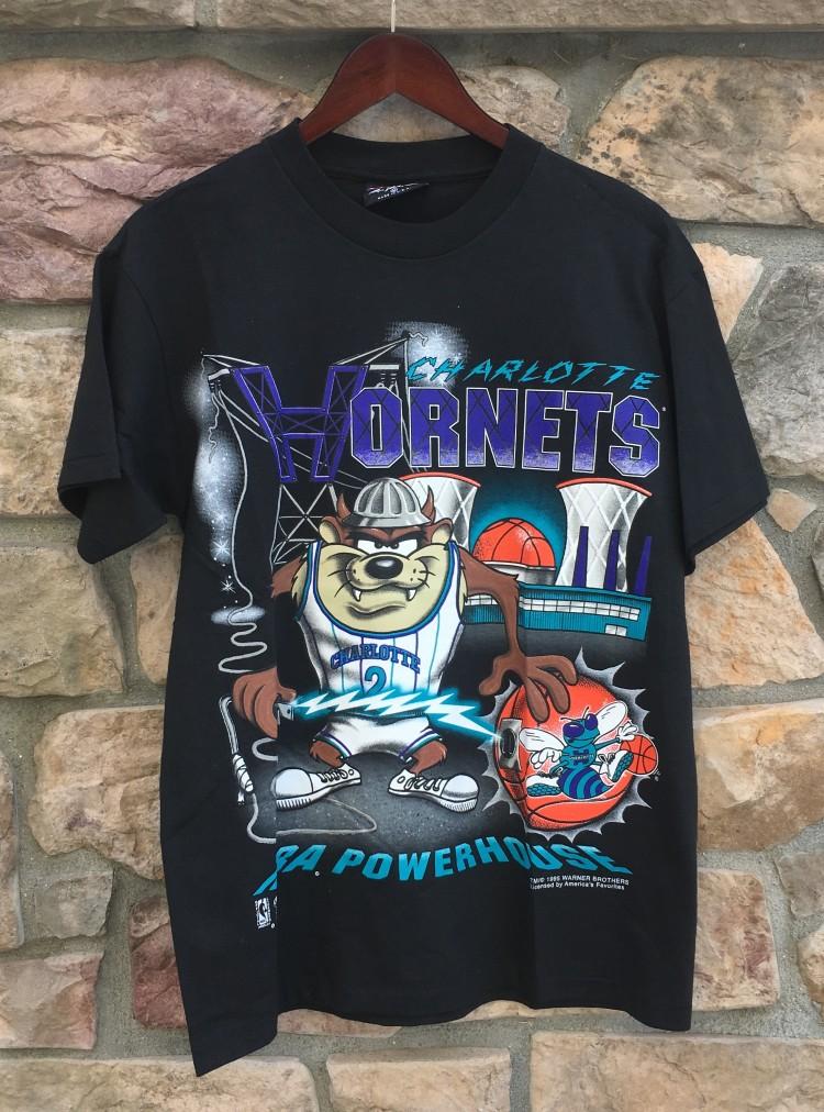 243eca41d06c8e vintage 1995 Charlotte hornets Tasmanian Devil looney tunes nba powerhouse  magic johnson nba tee shirt size