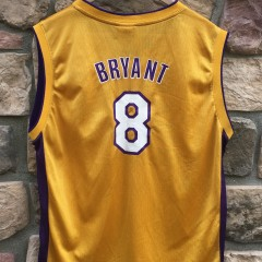 vintage Reebok Kobe Bryant #8 Los Angeles Lakers NBA jersey youth XL