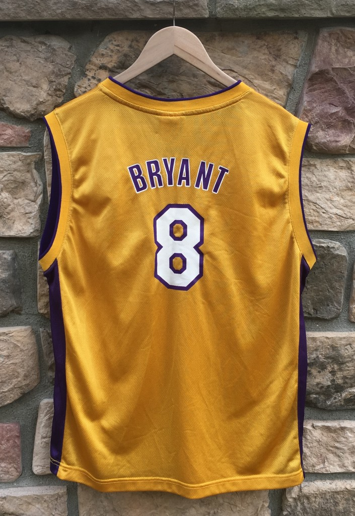 vintage Reebok Kobe Bryant  8 Los Angeles Lakers NBA jersey youth XL 7f2a02c26