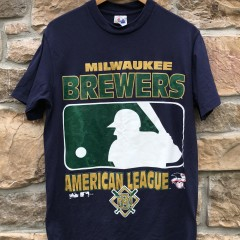 1996 Milwaukee Brewers Majestic Vintage MLB t shirt size medium