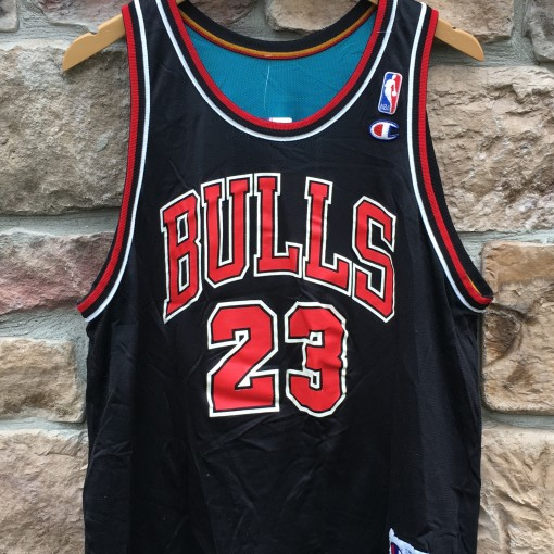 90's vintage michael Jordan Chicago Bulls Detroit Pistons reversible Champion nba jersey size 44 large