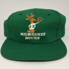 3810c1af9b1 90 s Milwaukee Bucks deadstock vintage NBA snapback hat