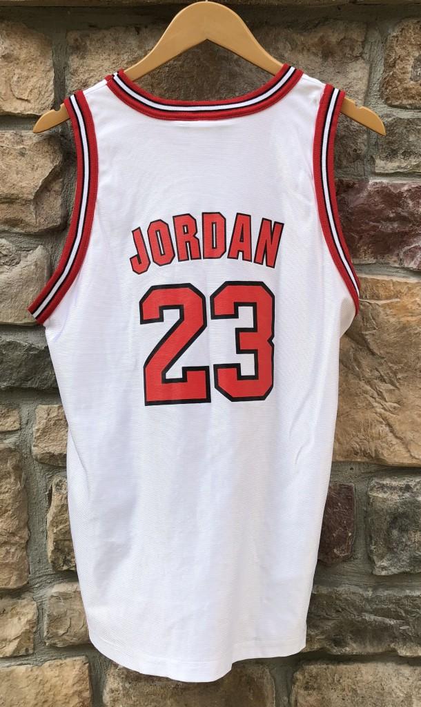 big sale 6712a c354f 1996 Michael Jordan Chicago Bulls Champion NBA Jersey Youth XL