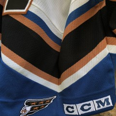 1997 Adam Oates Washington Capitals CCM NHL Jersey size Large deadstock