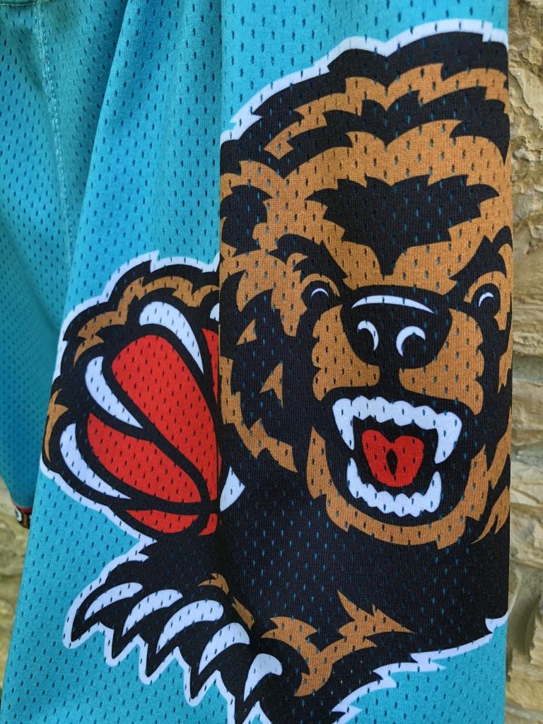 4982c3b1c097 90 s Vancouver Grizzlies Authentic Champion NBA Shorts Size 38 vintage aqua  1998