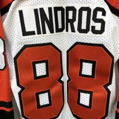 90's Philadelphia Flyers CCM Eric Lindros NHL Jersey vintage size Large