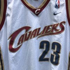 2003 Lebron James Cleveland Cavaliers Nike NBA swingman jersey size XL
