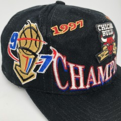 1997 vintage Chicago Bulls NBA Champions Locker Room Logo Athletic snapback hat