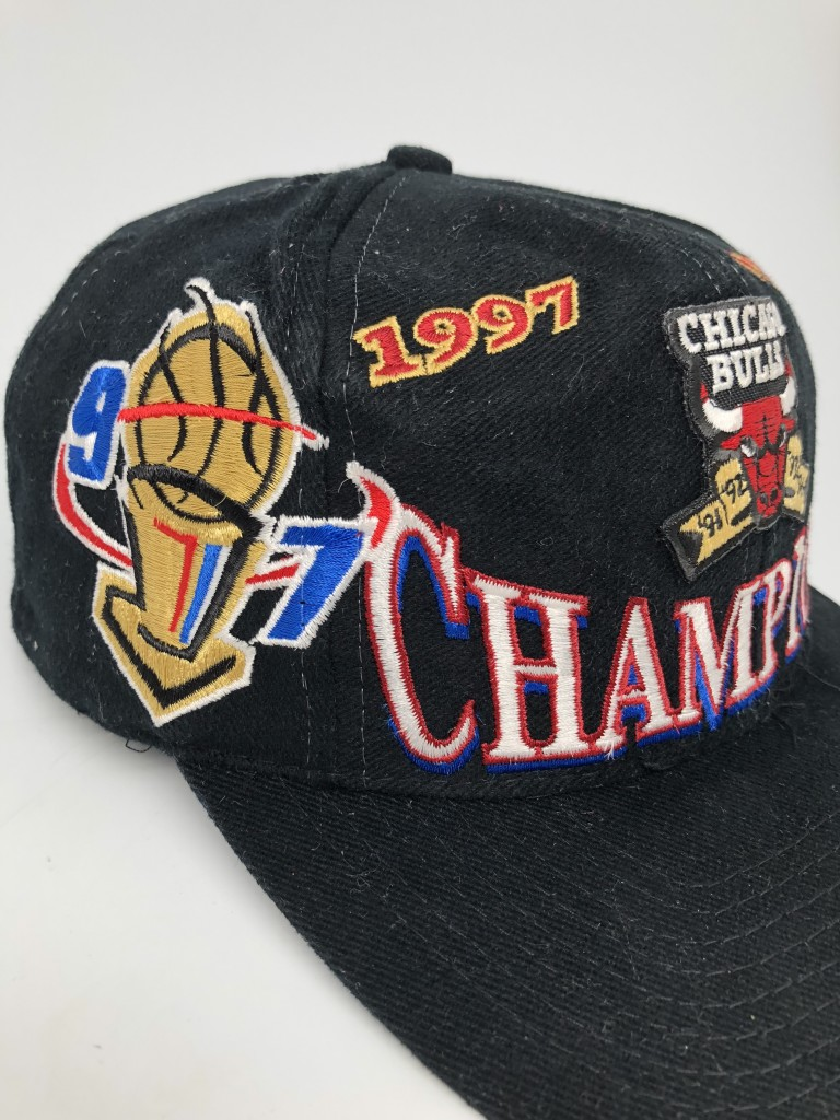 f8a8605a20e 1997 vintage Chicago Bulls NBA Champions Locker Room Logo Athletic snapback  hat