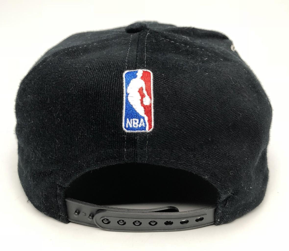 30db82e6b3e 1997 vintage Chicago Bulls NBA Champions Locker Room Logo Athletic snapback  hat