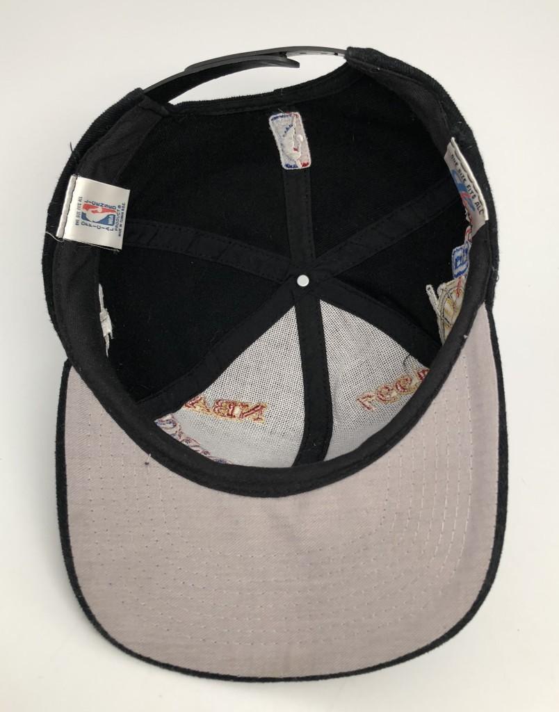 7b51edb3f1548c 1997 vintage Chicago Bulls NBA Champions Locker Room Logo Athletic snapback  hat