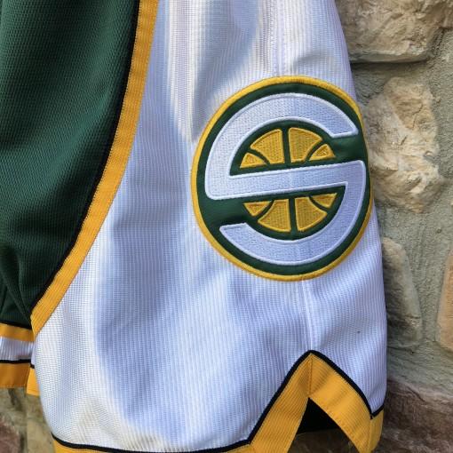 2006 Seattle Supersonics Authentic Adidas NBA Shorts size 36