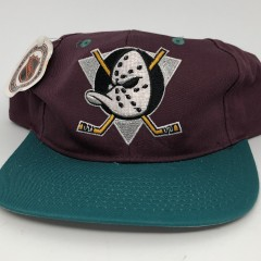 90's vintage Anaheim Mighty Ducks AJD NHL snapback deadstock OG