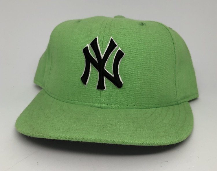 save off 12e72 2c6fa 90 s New York Yankees New Era lime green vintage MLB fitted hat