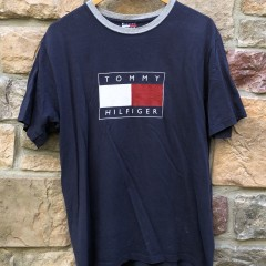 vintage 90's Tommy Hilfiger Flag logo t shirt size medium