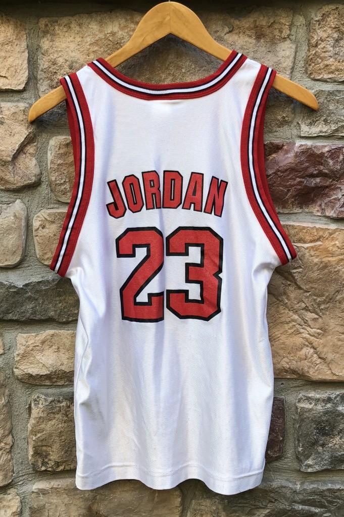 new concept c7390 e1793 1996 Michael Jordan Chicago Bulls Champion NBA Jersey Youth Large