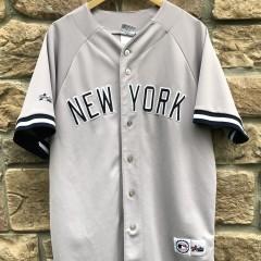 vintage 90's Derek Jeter New York Yankees Majestic MLB Jersey size XL