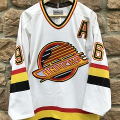 vintage 90's Pavel Bure Vancouver Canucks CCM NHL Jersey size 44 large authentic