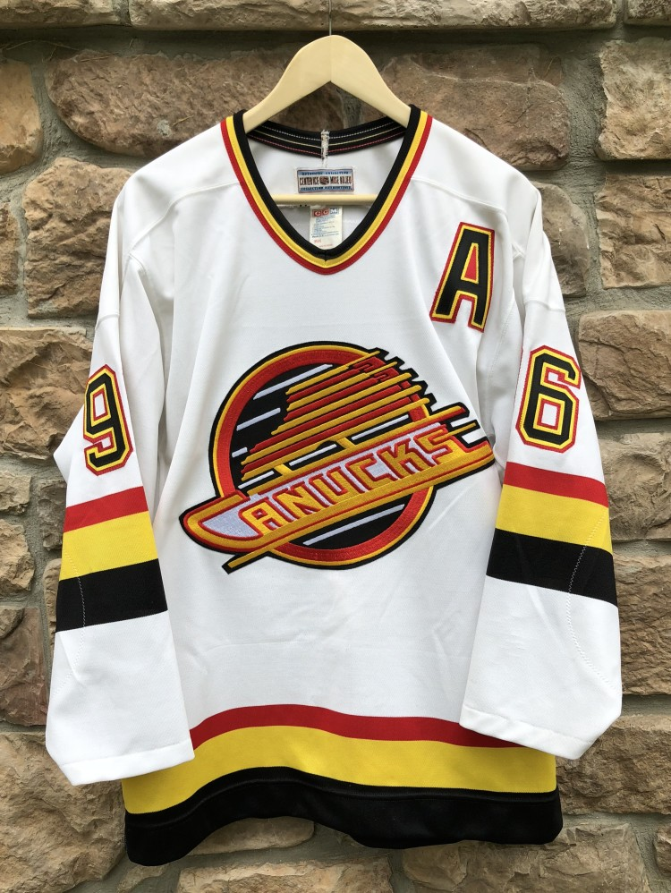 6cb2a6361 vintage 90 s Pavel Bure Vancouver Canucks CCM NHL Jersey size 44 large  authentic
