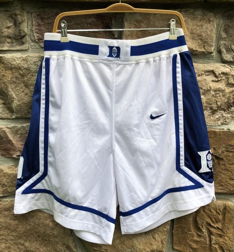 327d3e11f9474e vintage early 90 s Duke university blue devils authentic Nike NCAA shorts  size large 36