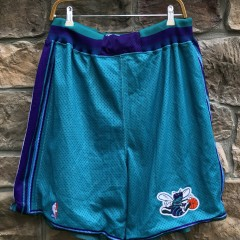 vintage 90's Charlotte hornets Starter authentic NBA Shorts size XXL