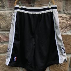 vintage 90's San Antonio Spurs Nike Authentic NBA Shorts size 38