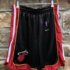 vintage 90's Miami Heat Authentic Nike NBA Shorts size XL