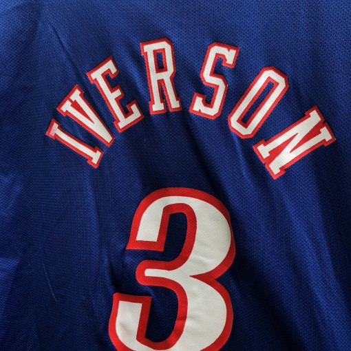 vintage 2001 Philadelphia Sixers 76ers Allen Iverson Champion NBA jersey size 44 large