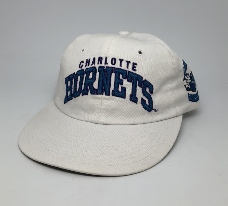 085c2124d338c vintage 90 s Starter arch Charlotte Hornets NBA snapback hat white long bill