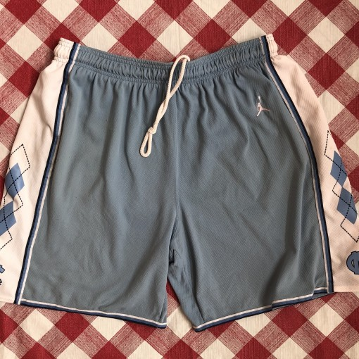 vintage 90's University of North Carolina Tar Heels Jordan Nike ncaa shorts size Large