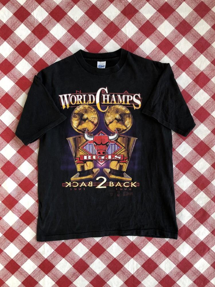 0b238f1b7877 vintage Chicago bulls 1991 1992 nba back to back world champions t shirt  size large salem