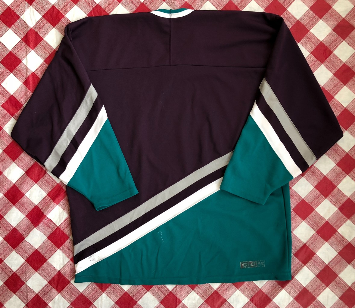 newest collection a19f2 e5bb0 90's Anaheim Mighty Ducks Eggplant CCM NHL Jersey Size XL