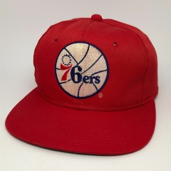 Vinatge 90's Philadelphia Sixers 76ers plain logo SnapBack hat