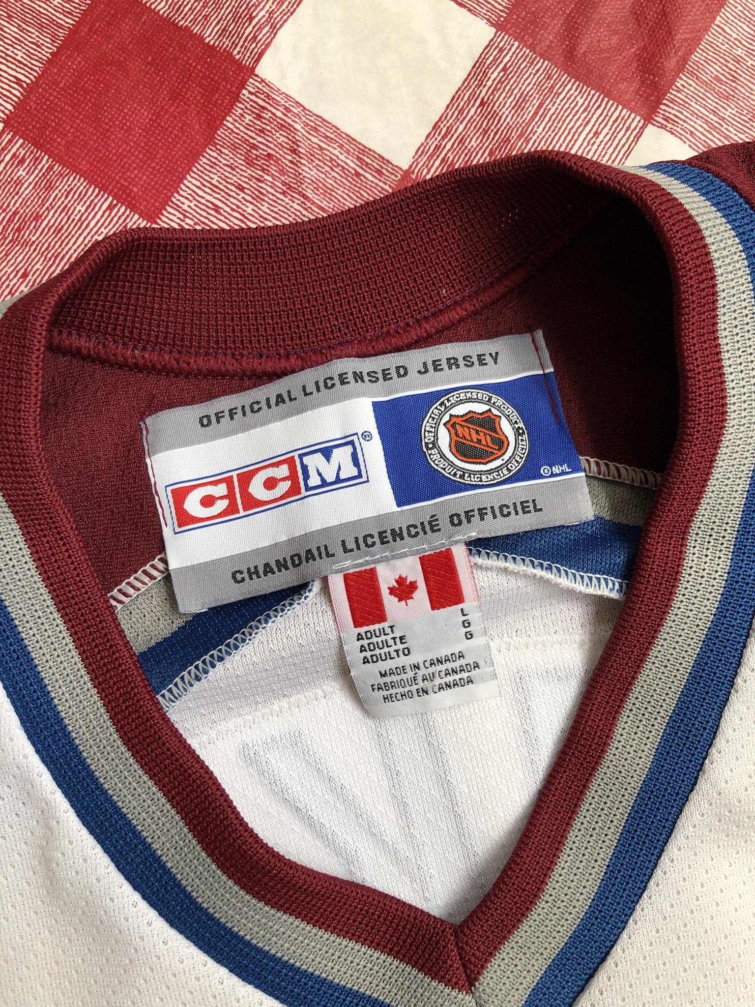 ed1bfe6f607 90's Joe Sakic Colorado Avalanche CCM NHL Hockey Jersey Size Large ...