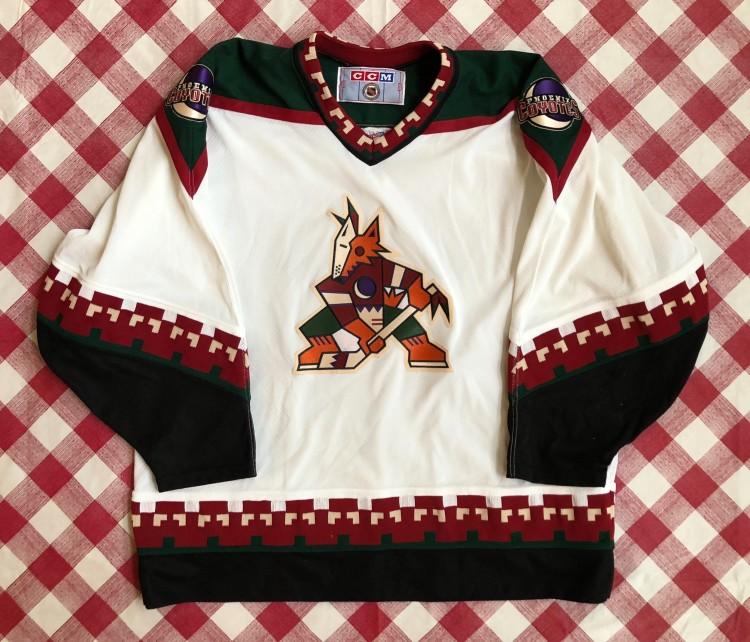 on sale 41b7b 059a6 90's Phoenix Coyotes CCM NHL Jersey Size XL