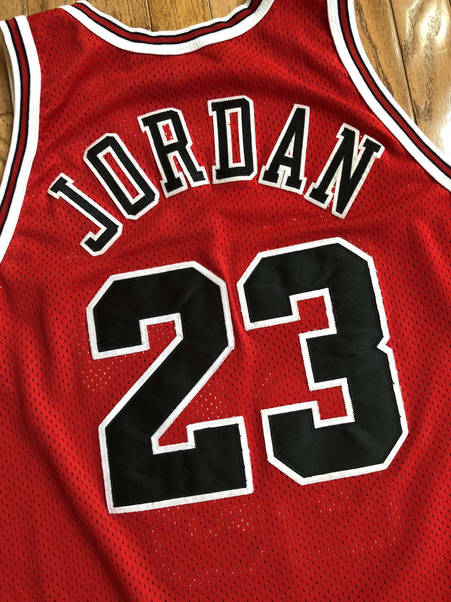 huge discount cbf1e 3114b 1996 Michael Jordan Chicago Bulls Authentic NBA Finals Champion NBA Jersey  Size 44