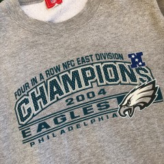 2004 Philadelphia Eagles NFC Champs 4 In A Row NFL Crewneck Sweatshirt Size XL